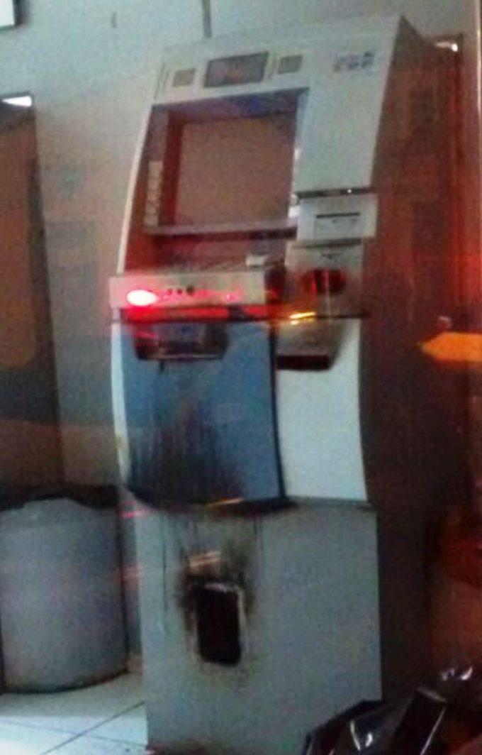 Ladrões tentam arrombar caixa eletrônico em São Martinho