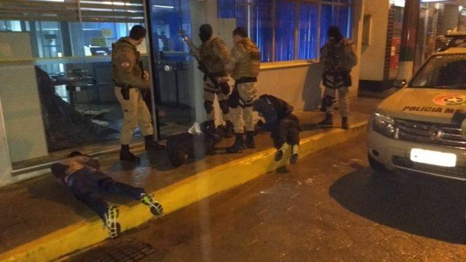 Quatro são presos em flagrante ao tentar arrombar caixa eletrônico, em Grão Pará