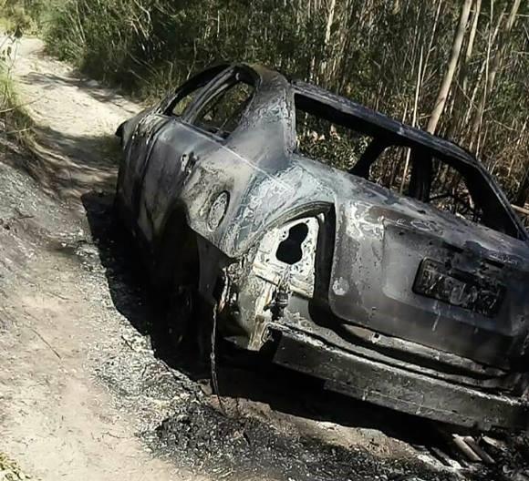 Carro roubado em Urussanga é localizado incendiado em Jaguaruna
