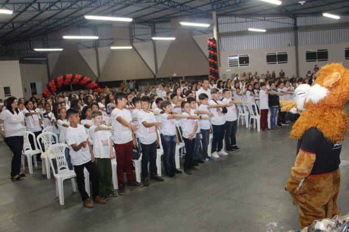 Em formatura do Proerd, 200 crianças de Lauro Müller dizem não às drogas e à violência