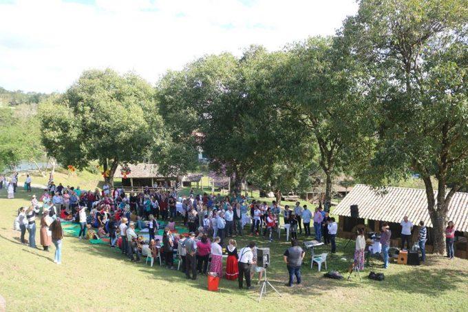 I Piquenique Cultural promove integração entre idosos e alunos, em Orleans