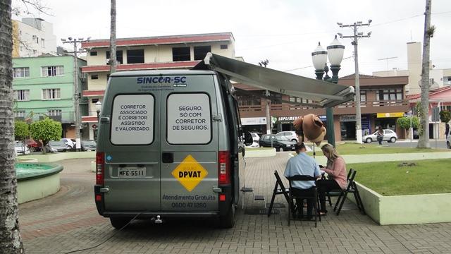 Orleans recebe unidade do Sindicato dos Corretores de Seguro na Semana do Trânsito