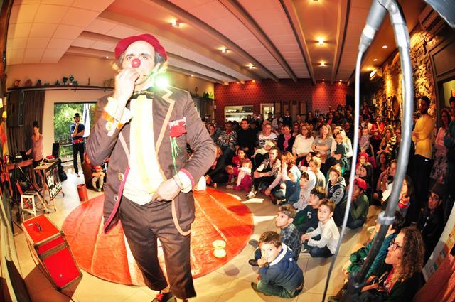 Festival Nacional de Teatro Revirado segue com apresentações em cidades da região