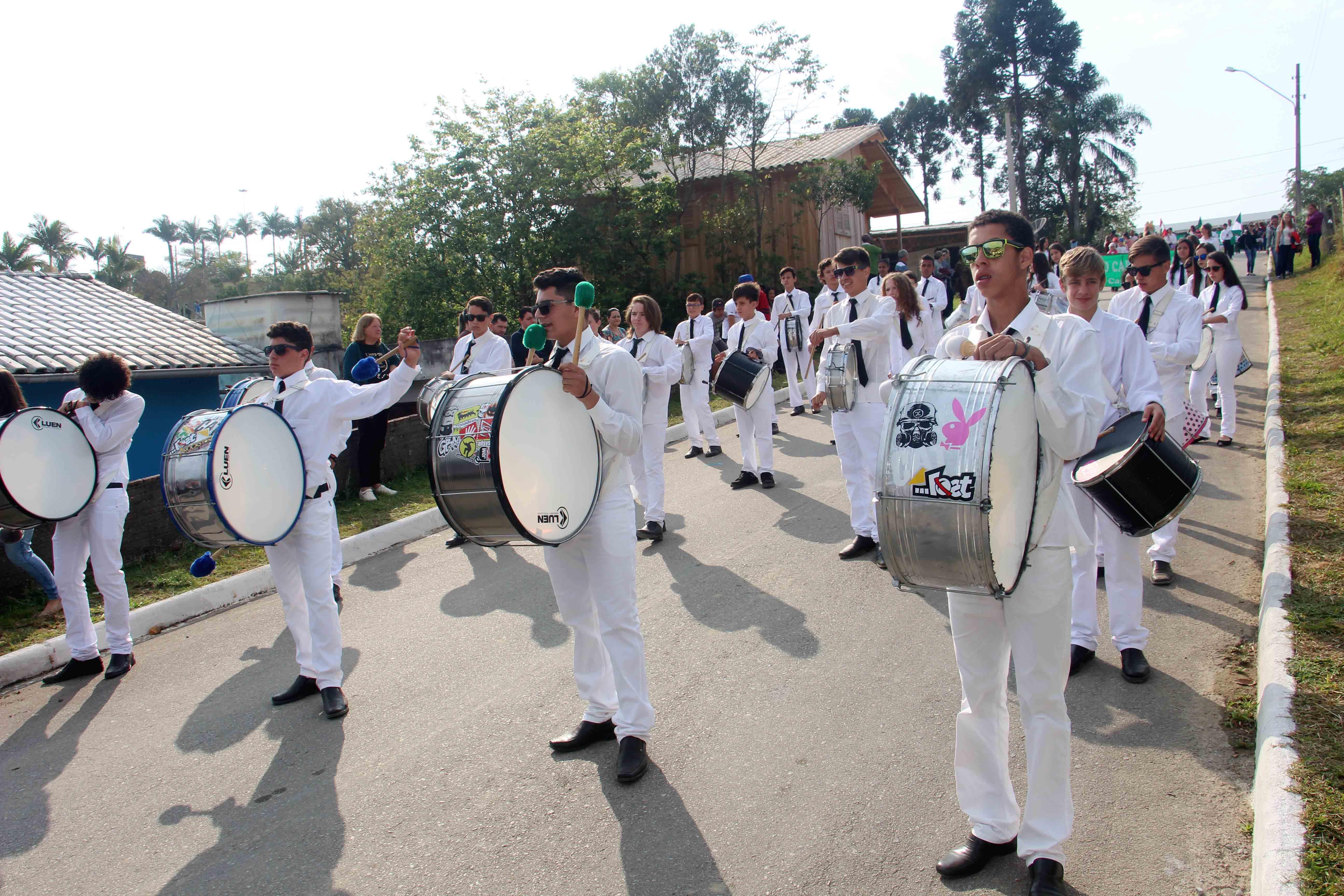 Desfile Distrito de Guatá (3)