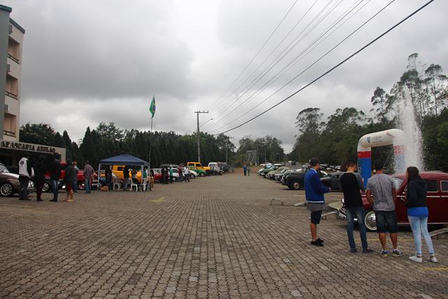 Real Nob realiza a 1ª Confraternização de Carros Antigos de Orleans e Região