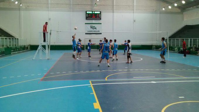 Torneio de Voleibol Masculino reúne equipes da região Sul em Lauro Müller