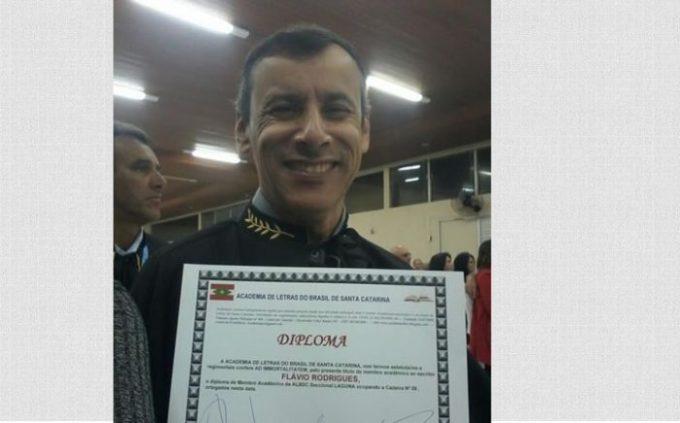 Sargento da PM de Laguna passa a integrar a Academia de Letras do Brasil de SC