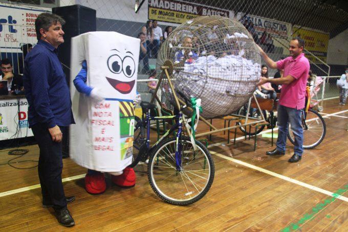 Prefeitura de Orleans promove evento com brincadeiras e sorteio de prêmios para as crianças