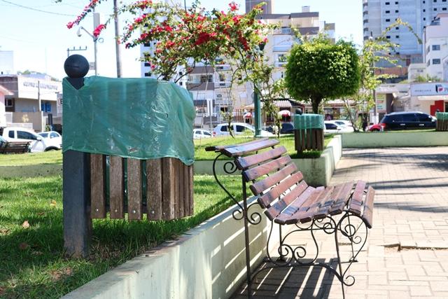 Prefeitura de Orleans orienta a população sobre o descarte adequado do lixo em locais públicos