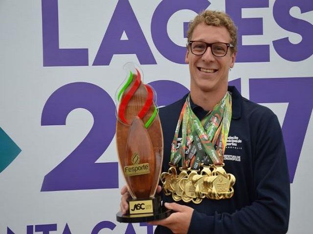 Nadador orleanense conquista seis medalhas de ouro nos JASC 2017