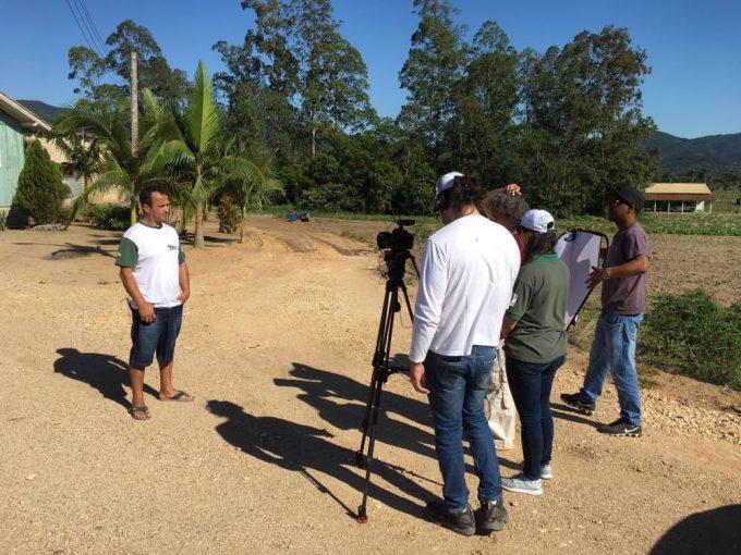 Equipe de Brasília do programa Negócio Certo Rural grava case de produtor rural de Imaruí