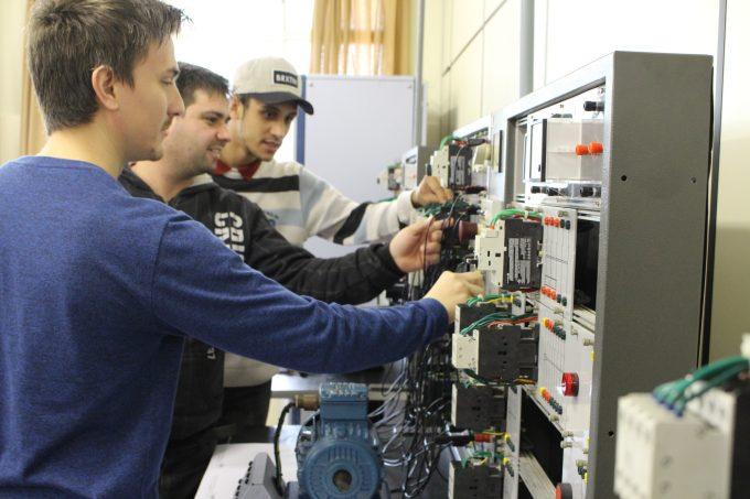 Cursos Livres_Eletricidade Industrial (9)