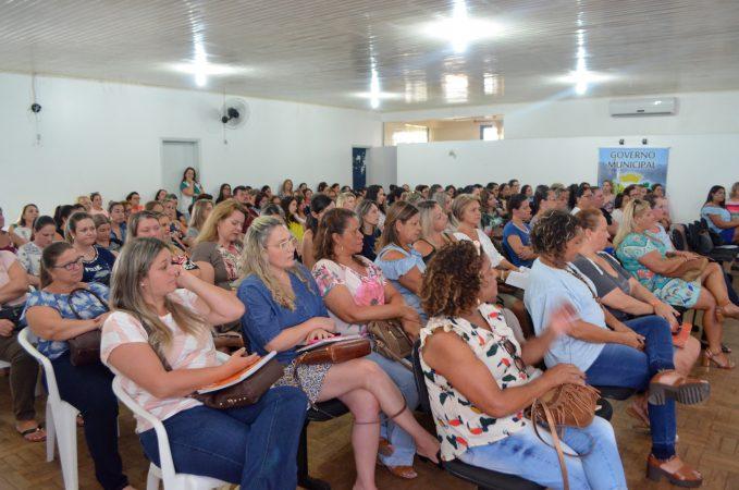 Siderópolis inicia ano letivo com formação para professores de todas as redes de ensino