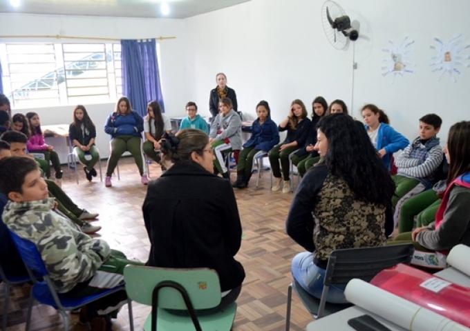 Educação Sem Violência: CRAS promove rodas de diálogo em escolas de Siderópolis