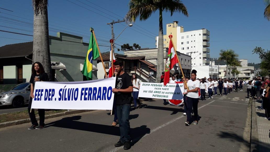Desfile-Siderópolis-1