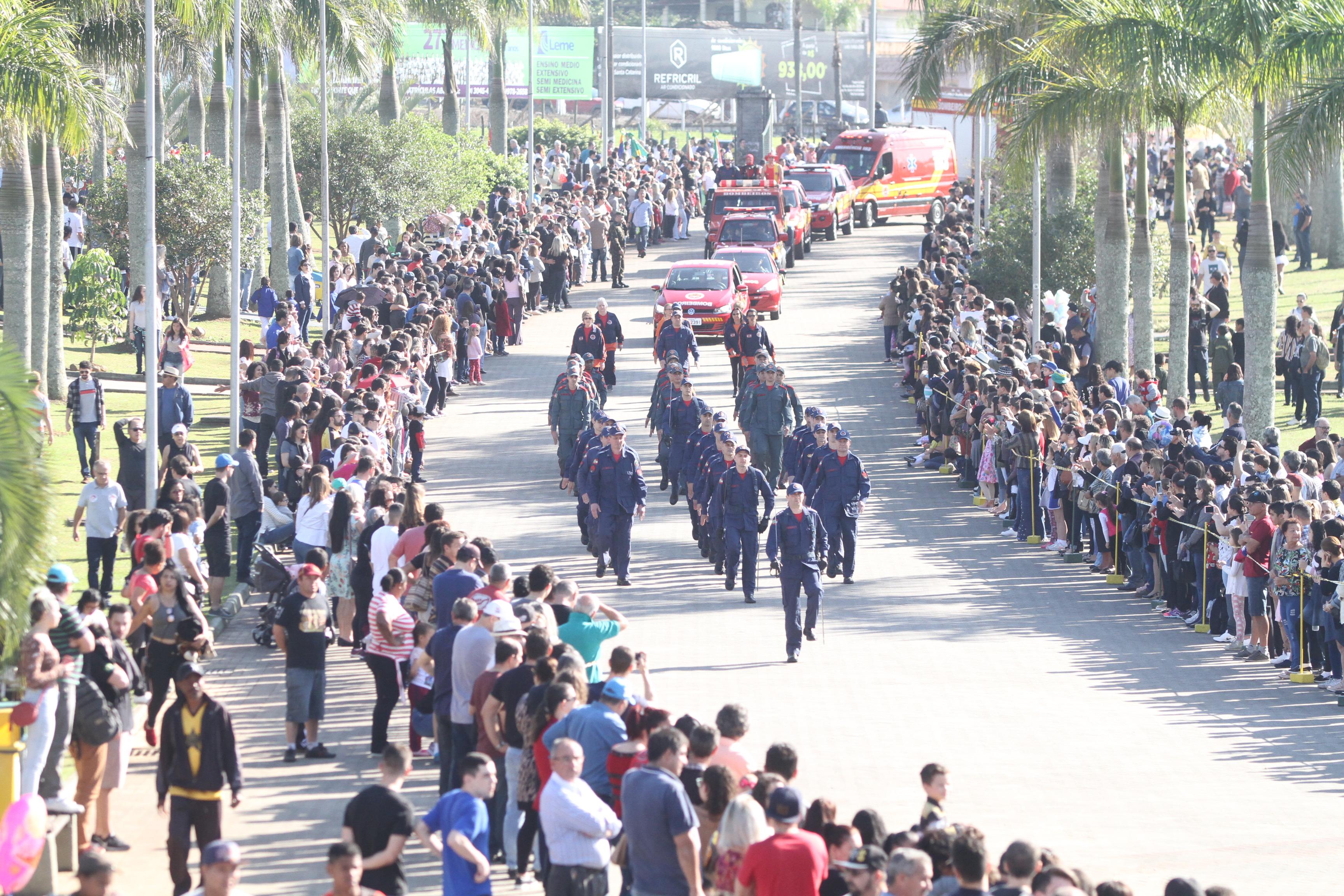 Lucas-Colombo-Desfile-de-7-de-Setembro-Parque-das-Nções-3