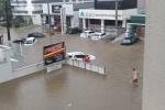 Chuva forte deixa ruas alagadas em Criciúma