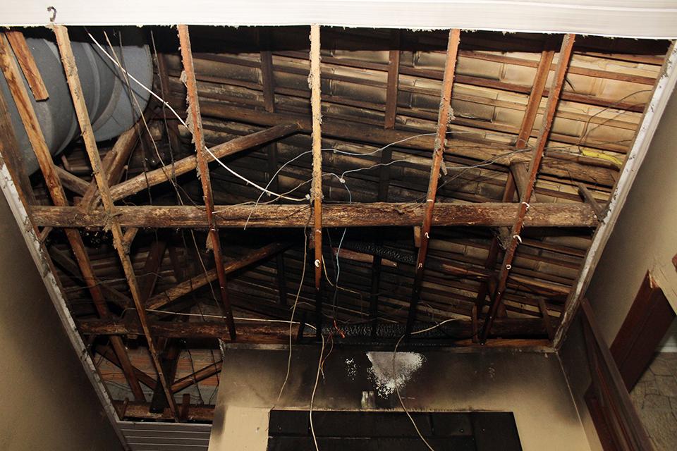 dnlburigo-raio-e-incendio-em-casa-bairro-imperatriz-9_11070