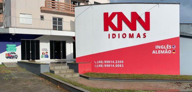 KNN Idiomas atua com metodologia desenvolvida exclusivamente para pessoas que falam português