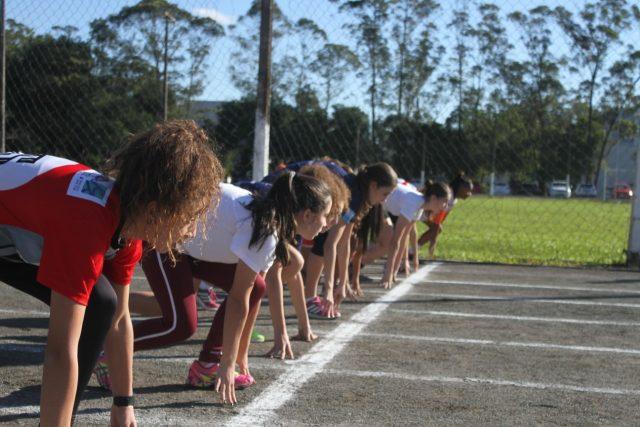 FME de Criciúma oferece aulas de atletismo à comunidade