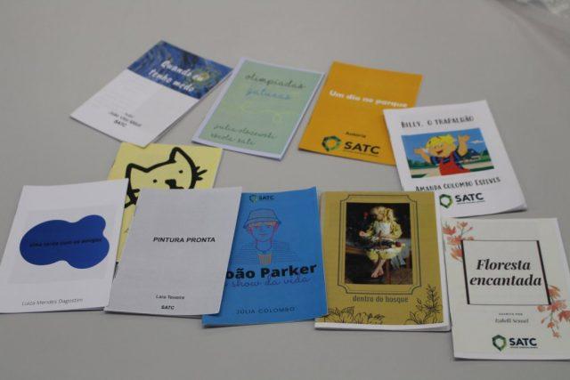 Estudantes do técnico em Design Gráfico criam livros infantis