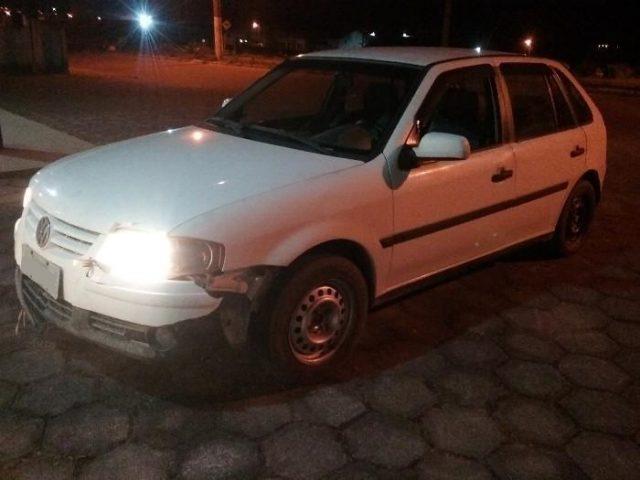 Após perseguição e troca de tiros, Polícia Militar recupera veículo furtado em Treze de Maio