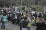 Bolsonaro participa de passeio de moto com apoiadores em SC2