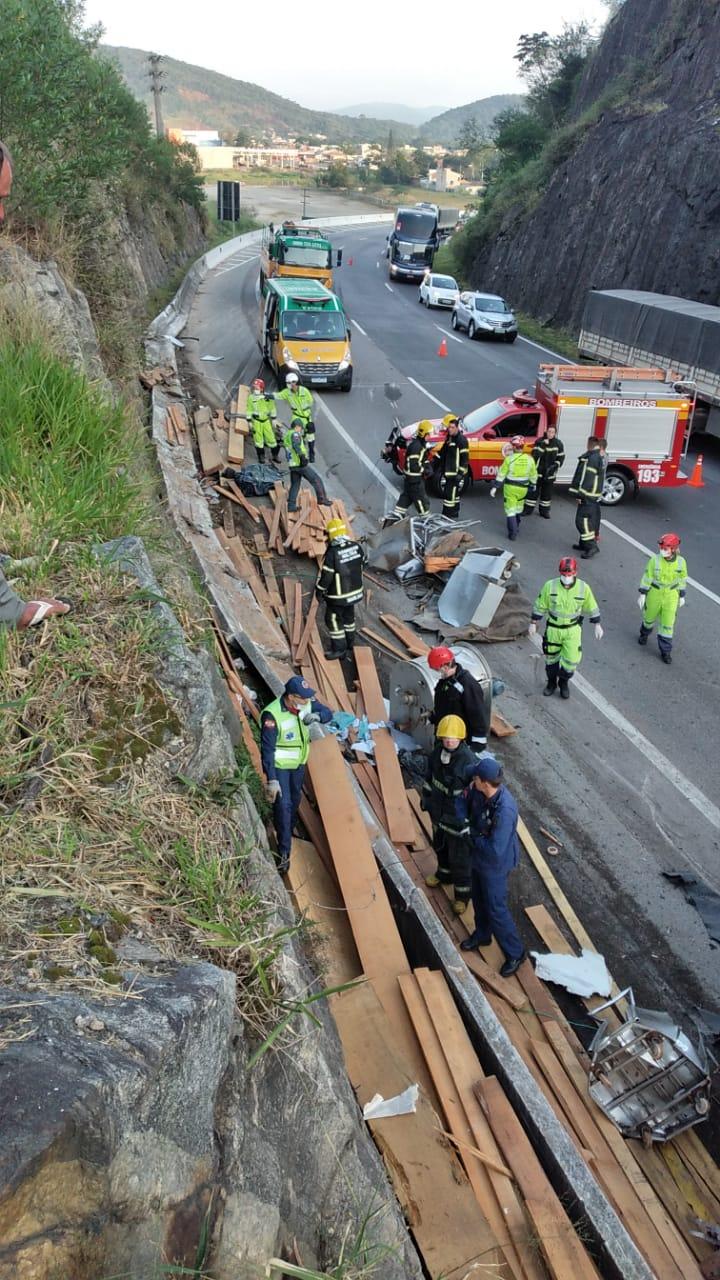 Identificadas as vítimas do grave acidente na BR-101 em Balneário Camboriú2