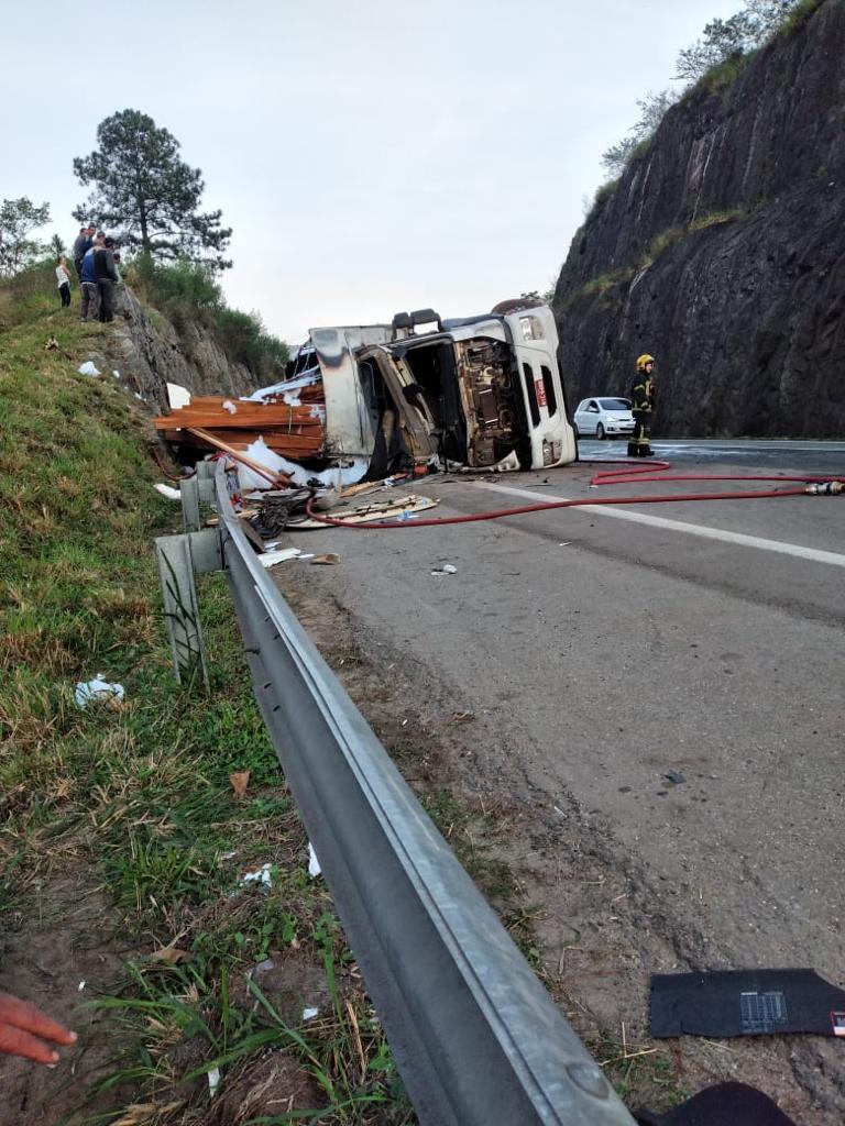 Identificadas as vítimas do grave acidente na BR-101 em Balneário Camboriú5