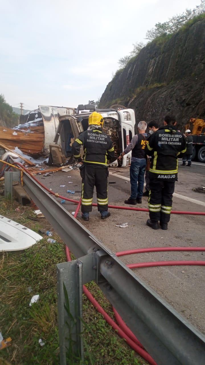 Identificadas as vítimas do grave acidente na BR-101 em Balneário Camboriú6