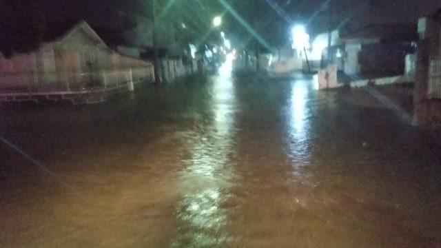 CBMSC atende quase cem ocorrências em resposta às chuvas em seis horas